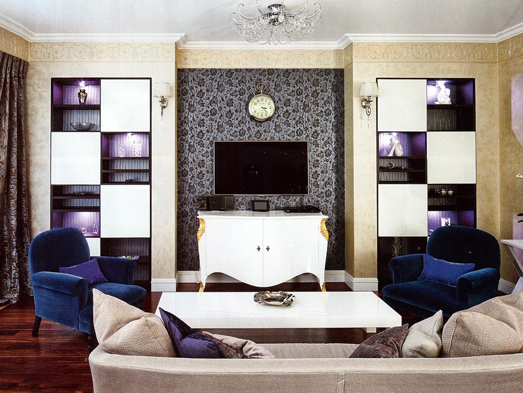 1.Гостиная-кухня-столовая. Площадь —47,3 м2. Зона гостиной. Напольная массивная доска — Preverco (Канада). Корпусная мебель — Sangiacomo; диван — Meridiani (все — Италия)