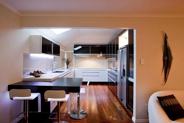 black-and-white-modern-kitchen