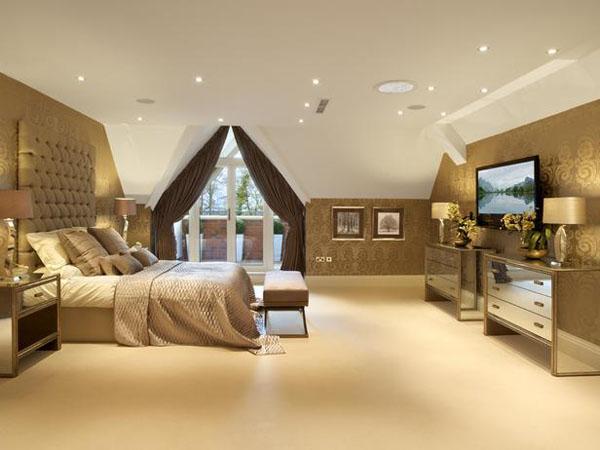 iStock-12737065_penthouse-apartment-elegant-master-bedroom_s4x3_lg