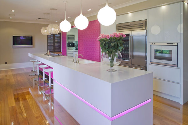 pink-kitchen-white-counter