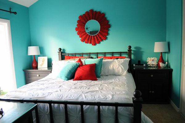 turquoise-walls-bedroom