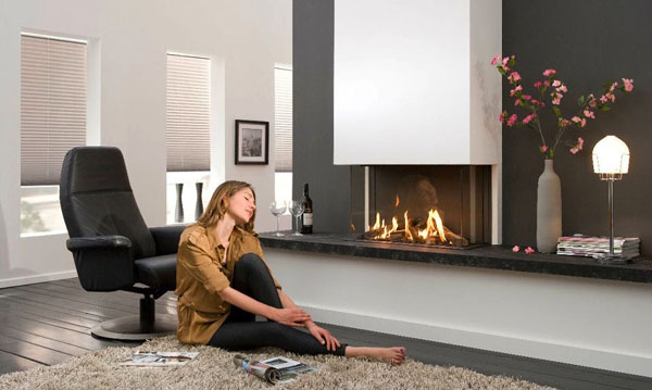 Black-white-living-room-fireplace