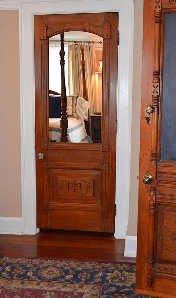 English-Ivy-Room-Door1