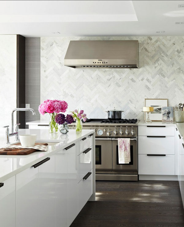 marble-chevron-backsplash