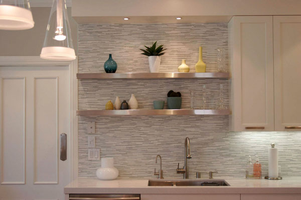 white-horizontal-tile-backsplash