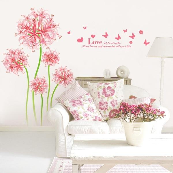 обои с цветами в интерьере