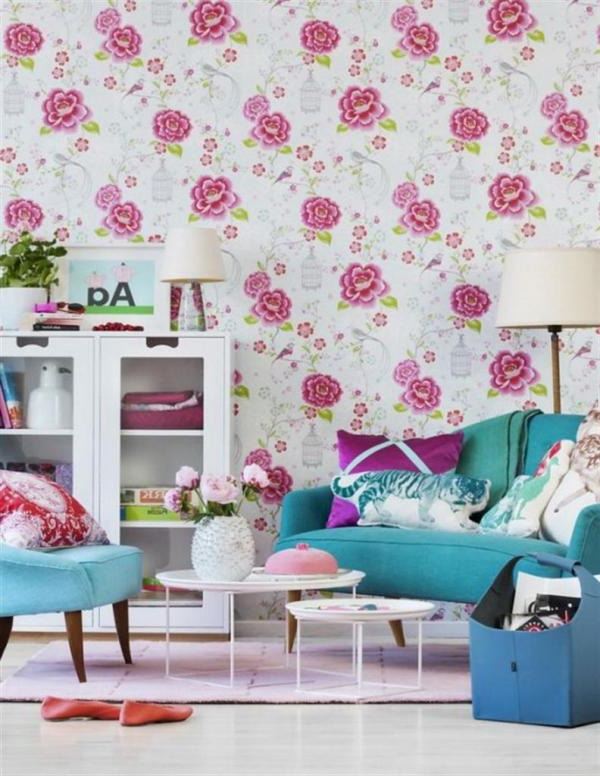 floral-wallpaper-Young-And-Colorful-Living-Room-Interior-Design-Ideas