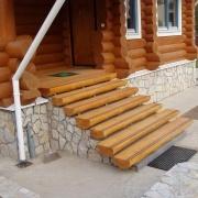 Доверять изготовление лестниц стоит исключительно профессионалам