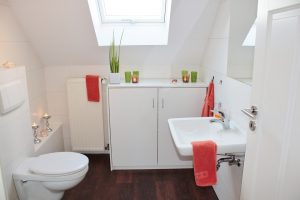 Специалисты рассказали о том, где в Москве можно купить качественную мебель для ванной комнаты