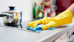 Почему уборку квартиры стоит доверить специалистам клининговой службы