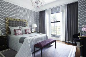 Специалисты рассказали о том, как правильно подбирать шторы в спальню