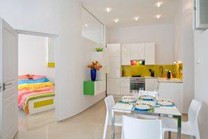 Самое интересное из мирового дизайна. Яркие акценты в современной квартире в Будапеште, Венгрия